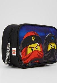 Lego Bags - TOILETRY BAG - Handbag - Urban Red/Black - 2