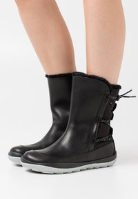 Camper - PEU PISTA - Winter boots - black - 0