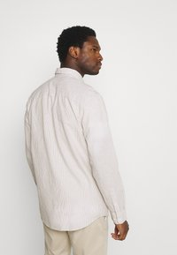 Selected Homme - SLHREGNEW SHIRT - Skjorta - dried herb - 2