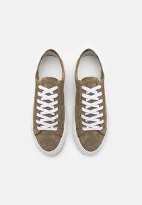 CLOSED - Sneakersy niskie - laurel green - 3