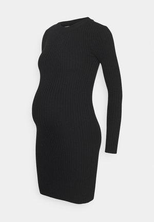 PCMCRISTA O NECK DRESS - Strikket kjole - black