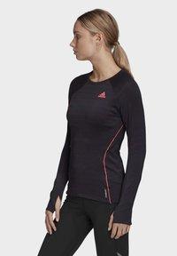 adidas Performance - RUNNER LONG-SLEEVE TOP - Long sleeved top - black - 2
