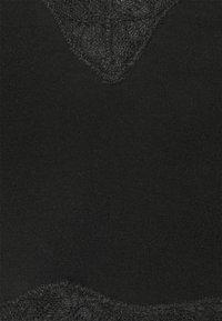 MAGIC Bodyfashion - COZY CROP - Pyjama top - black - 2