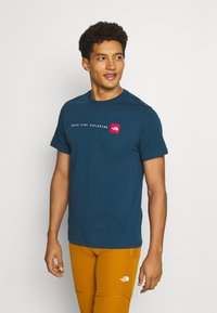 The North Face - NEVER STOP EXPLORING TEE - Print T-shirt - monterey blue - 0