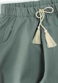 Cigit - PANT - Tracksuit bottoms - metallic green - 2