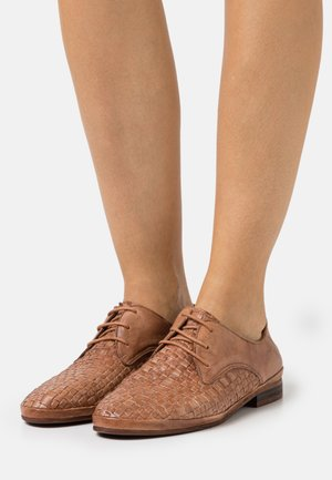 CHANTAL - Lace-ups - tamponada/entrancado tierra
