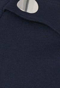HUGO - DELCI - Triko spotiskem - dark blue - 6
