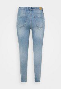Vero Moda Curve - VMSOPHIA - Jeans Skinny Fit - light blue denim - 1