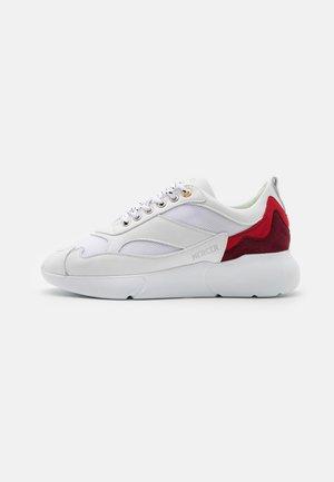 W3RD UNISEX - Sneakersy niskie - white/red/burgundy