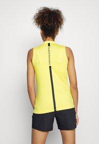 Peak Performance - TURF ZIP  - Polo shirt - citrine - 2
