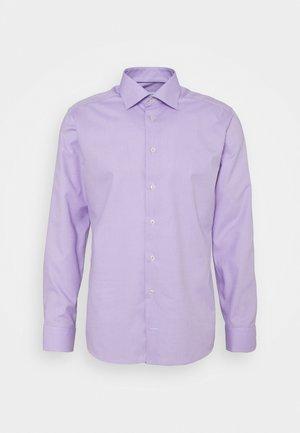 SLIM FINE DOTTED SHIRT - Formal shirt - purple