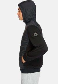 Timberland - MOUNT CABOT HYBRID - Zip-up hoodie - black - 3