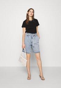 Mavi - BASIC SHORT SLEEVE TOP - Basic T-shirt - black - 1