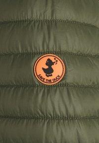 Save the duck - DIEGO HOODED JACKET - Välikausitakki - dusty olive - 2