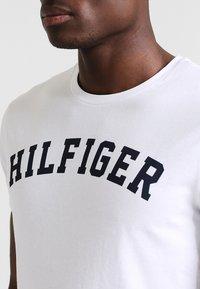 Tommy Hilfiger - Maglia del pigiama - white - 4