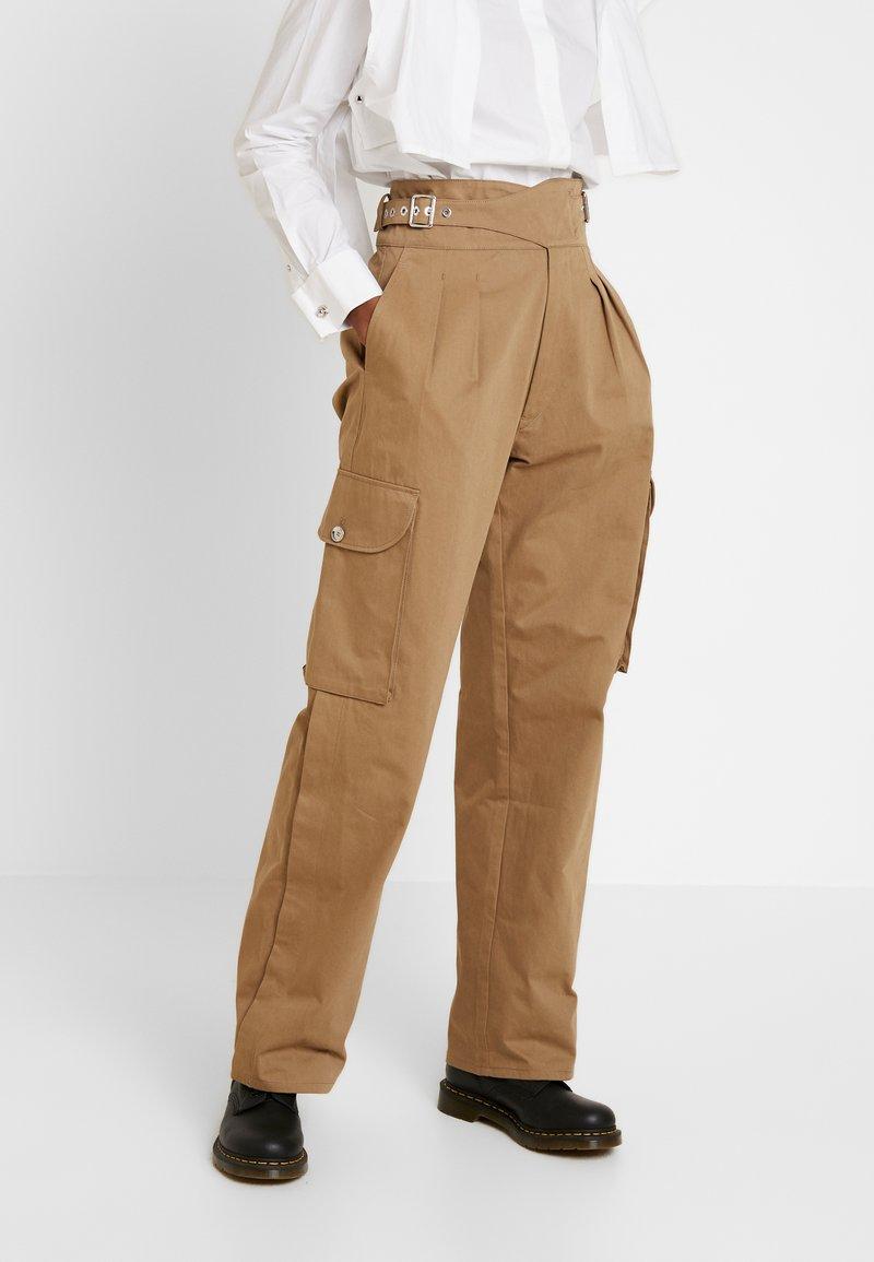 Diesel - CHIKU - Spodnie materiałowe - beige