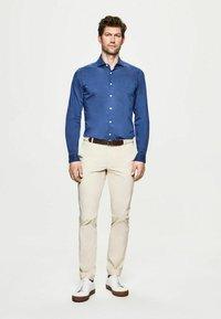 Hackett London - POPLIN - Shirt - marina - 1