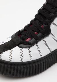 Marni - Zapatillas altas - white - 5