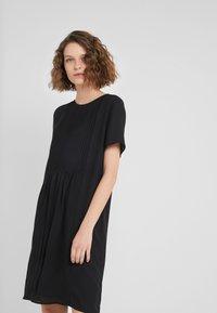 Bruuns Bazaar - CAMILLA CECILIA DRESS - Freizeitkleid - black - 0