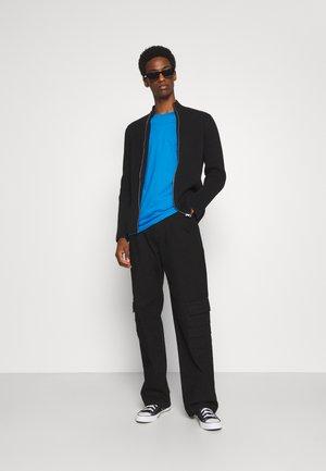 SPECIAL 3 PACK - Jednoduché triko - azurblau
