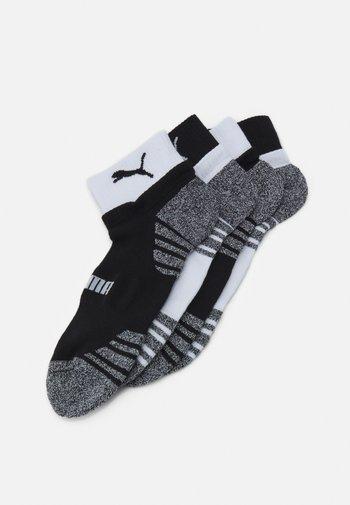 MEN SEASONAL QUARTER 4 PACK - Sports socks - black/white