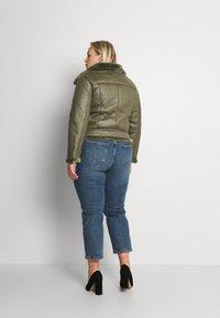 Missguided Plus - PLUS ENTRY FAUX LEATHER AVIATOR - Winter jacket - khaki - 2