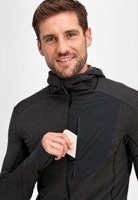 Mammut - ACONCAGUA - Soft shell jacket - black - 4