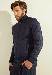 Guess - Zip-up hoodie - blau - 0