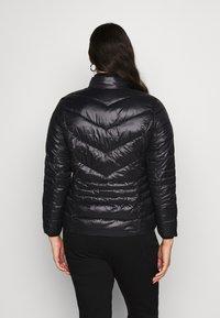 Vero Moda Curve - VMSORAYASIV SHORT JACKET CURVE - Light jacket - black - 2
