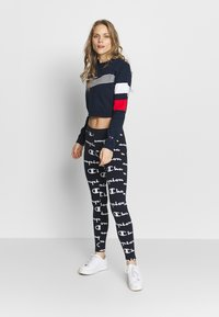 Champion - CREWNECK CROPTOP - Sweatshirt - dark blue - 1
