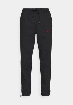 PANT - Teplákové kalhoty - black/gym red