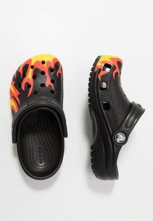 CLASSIC FLAME BROILED - Sandały kąpielowe - black