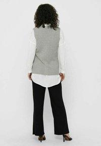 ONLY - ONLFLORELLE - Waistcoat - light grey melange - 2