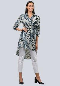 Alba Moda - Button-down blouse - marineblau/weiß/weiß - 1