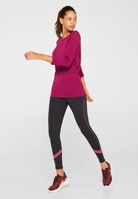 Esprit Sports - MIT STRUKTUR-DETAILS - Sports shirt - dark pink - 1