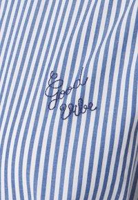 Maison Labiche - DRESS GOOD VIBE - Shirt dress - white/blue - 7