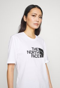 The North Face - EASY TEE - T-shirts med print - white - 3