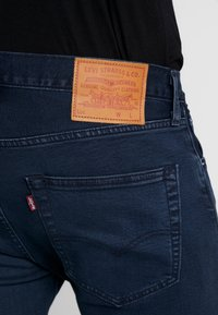 Levi's® - 501® SLIM TAPER - Jean slim - key west sand - 4