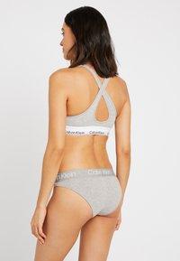 Calvin Klein Underwear - HIGH LEG TANGA - Kalhotky - grey heather - 2