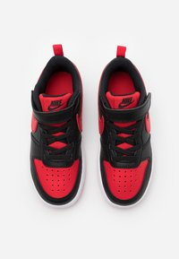 Nike Sportswear - COURT BOROUGH 2 UNISEX - Trainers - black/university red/white - 3