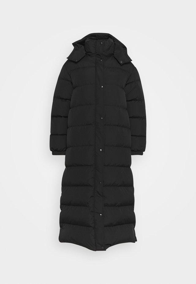 ARNIKKI SOLID COAT - Kabát zprachového peří - black
