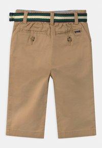 Polo Ralph Lauren - PREPPY - Trousers - coastal beige - 1
