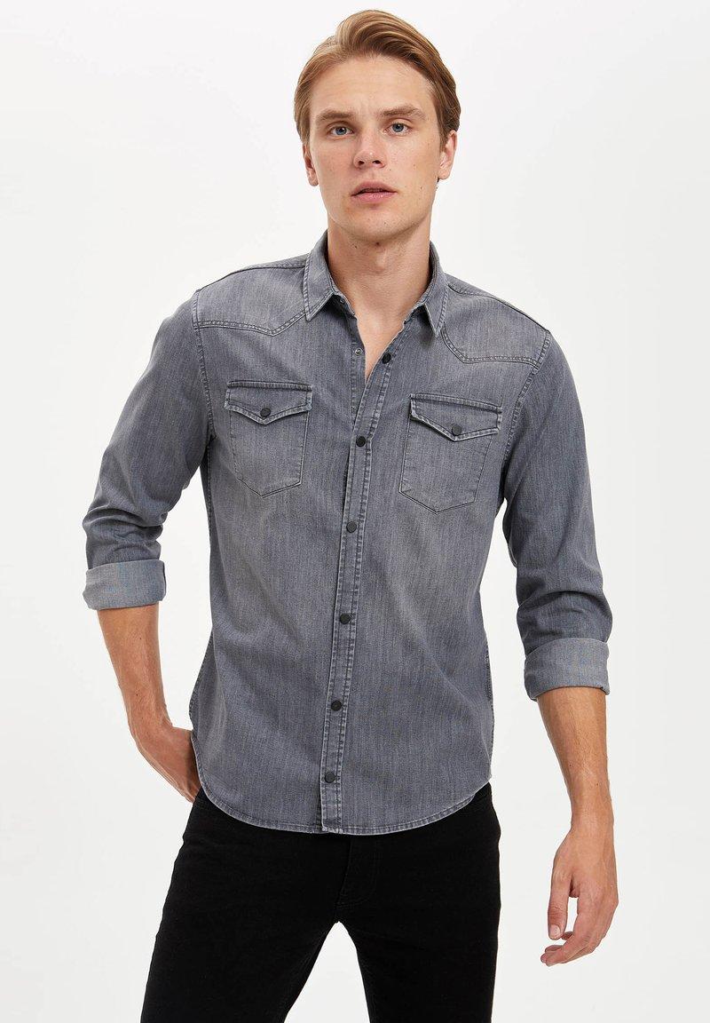 DeFacto - Overhemd - grey