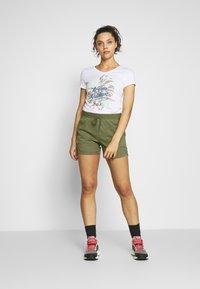 Jack Wolfskin - SENEGAL SHORTS - Sports shorts - delta green - 1