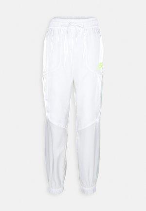 Teplákové kalhoty - white/volt