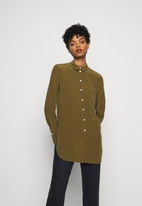 By Malene Birger - COLOGNE - Button-down blouse - hunt - 0