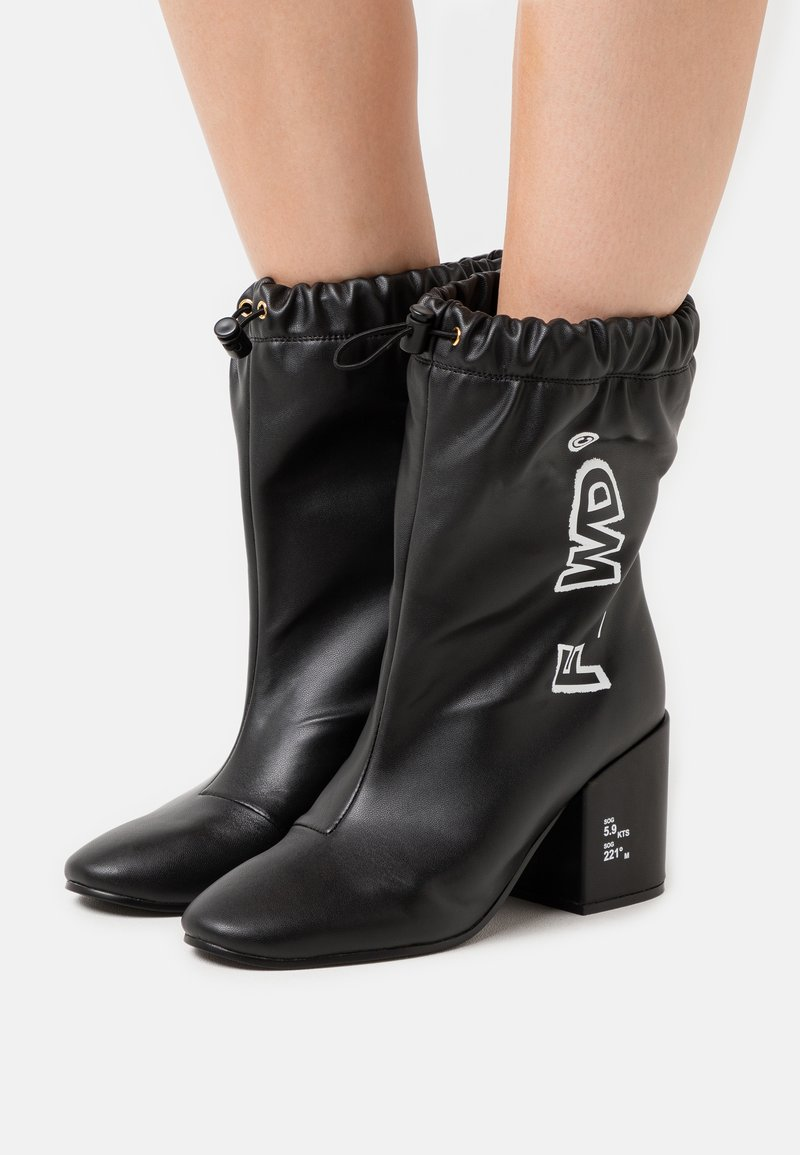 F_WD - Kotníkové boty - black