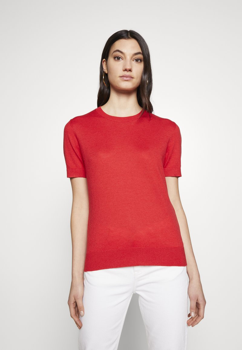 Steffen Schraut - CLAIRE ESSENTIAL  - Basic T-shirt - red lips