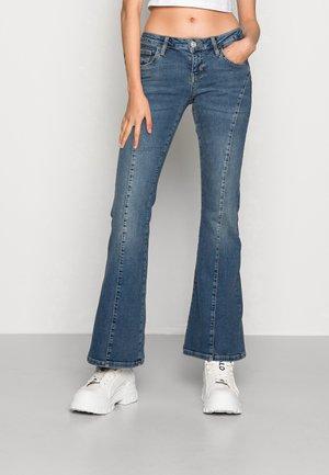 CURVE SEAM LOW RISE - Jean bootcut - mid vintage