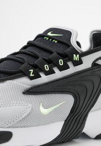 Nike Sportswear - ZOOM 2K - Baskets basses - black/barely volt/grey fog/white - 2